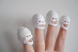 Crocheted skulls - thumbnail_1