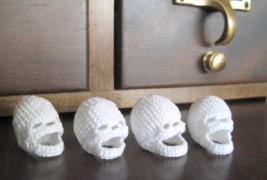 Crocheted skulls - thumbnail_3
