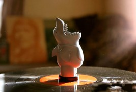 Chums vinyl toy - thumbnail_4