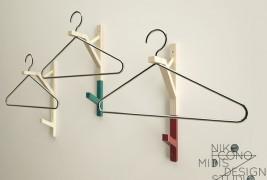 Wire coat hanger - thumbnail_1
