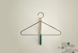 Wire coat hanger - thumbnail_3