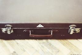 Suitcase desk - thumbnail_1