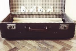 Suitcase desk - thumbnail_3