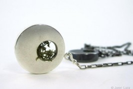 Janel Laza green jewels - thumbnail_2