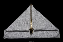 Simone Rainer triangle clutch - thumbnail_3