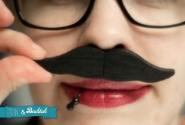 USB Moustache - thumbnail_1