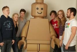 Cardboard Lego man - thumbnail_2
