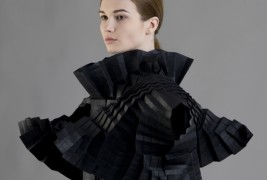 Morana Kranjec sculptural clothes - thumbnail_3