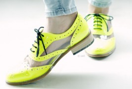 Fluo derby shoes