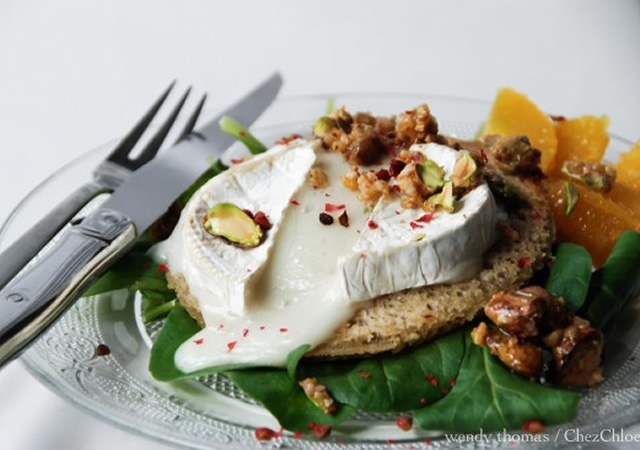 Goat cheese and pistachios salad