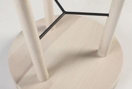 Tripod stool - thumbnail_3