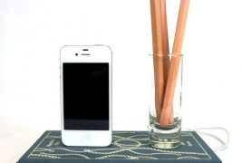 Book design iPhone chargers - thumbnail_3