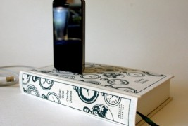 Book design iPhone chargers - thumbnail_1