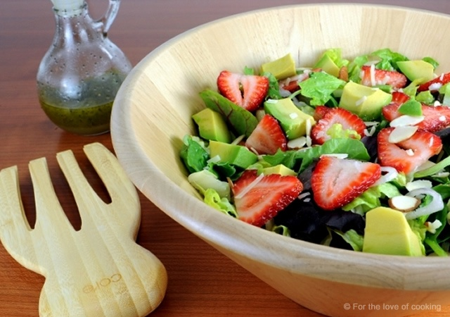 Strawberry and avocado salad | Image courtesy of For the love of cooking