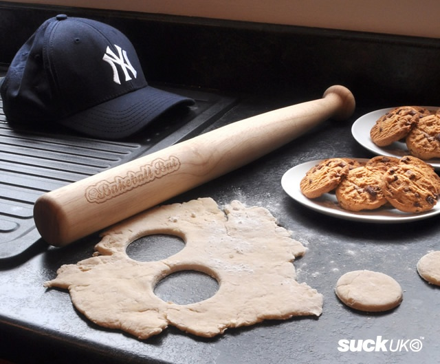 Bakeball bat rolling pin | Image courtesy of Suck.Uk