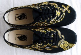 Carl Medley III customized sneakers - thumbnail_9