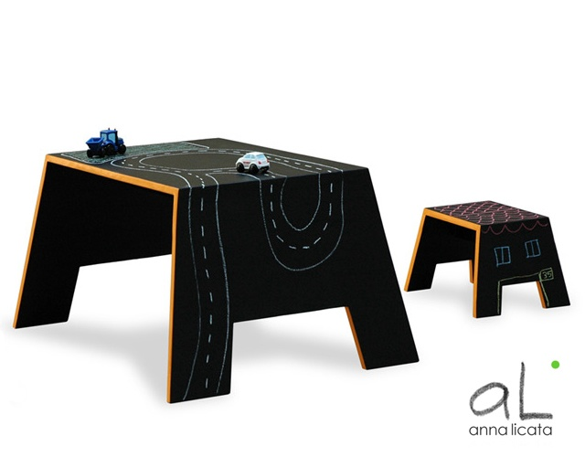 Mavalà blackboard table