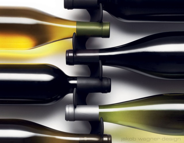 Menu wine rack | Image courtesy of Jakob Wagner