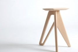 Tripod stool by Eunjin Jung - thumbnail_3