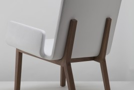 Enfold lounge chair - thumbnail_1