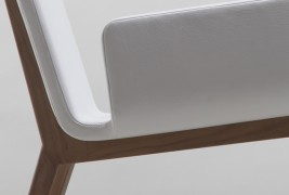 Enfold lounge chair - thumbnail_3