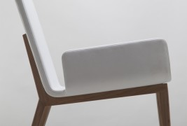 Enfold lounge chair - thumbnail_5
