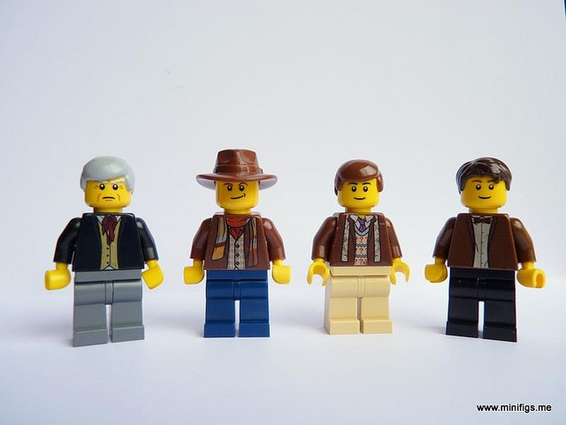 100 custom LEGO minifigs - Photo 25