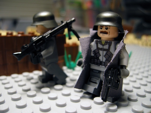 100 custom LEGO minifigs - Photo 77