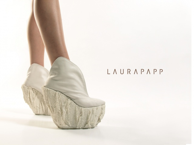 Scarpe di porcellana by Laura Papp | Image courtesy of Laura Pap