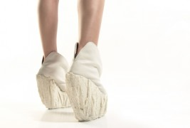 Porcelain shoes by Laura Papp - thumbnail_5
