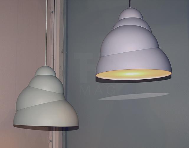 Stasis pendent lamp