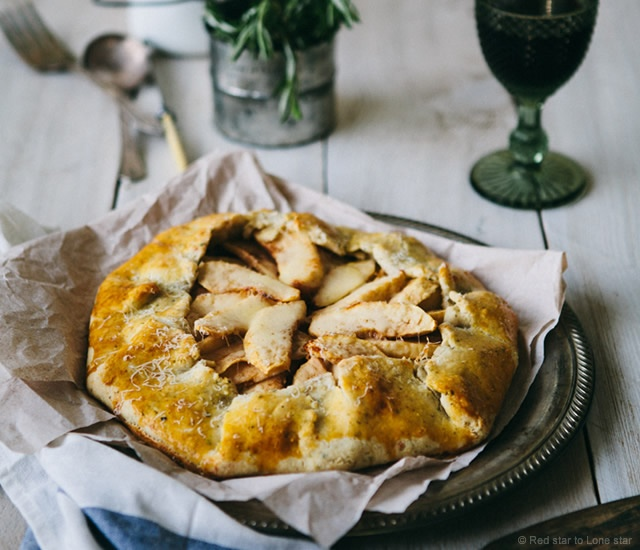 Onion and apple galette | Image courtesy of Red star to Lone star