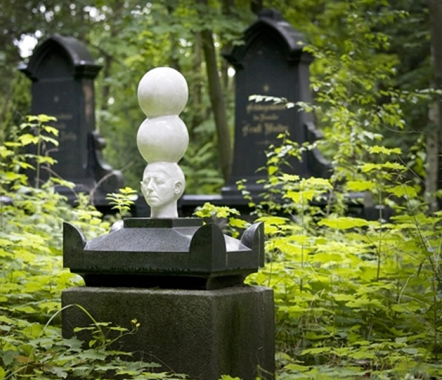 Friedhof Berlin by Ivan Prieto