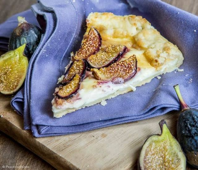 Figs and ricotta tart