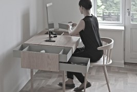 Private desk - thumbnail_1