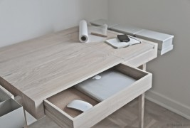 Private desk - thumbnail_3
