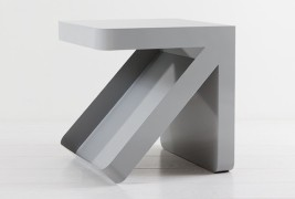 Arrow side table - thumbnail_2