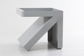 Arrow side table - thumbnail_4