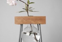 Flower table - thumbnail_1