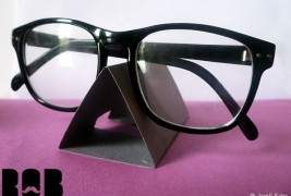 Rob eyeglass stand - thumbnail_2