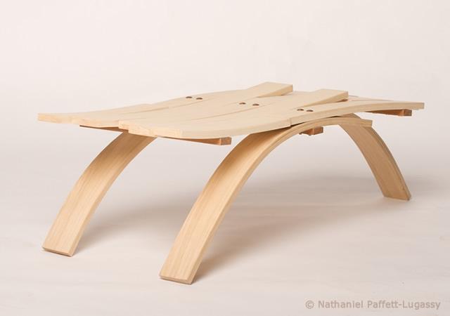 Tavolo in legno imbarcato