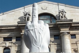 Interview with Maurizio Cattelan - thumbnail_1