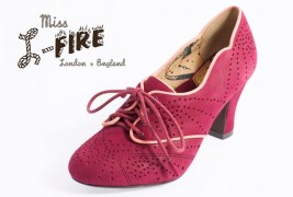 Miss L-Fire fall/winter 2011 - thumbnail_1
