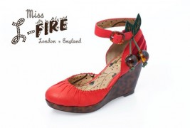 Miss L-Fire fall/winter 2011 - thumbnail_7
