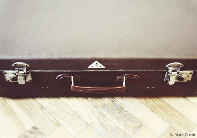 Suitcase desk
