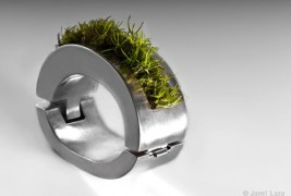 Janel Laza green jewels - thumbnail_1