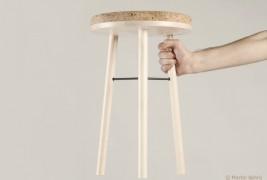 Tripod stool - thumbnail_1