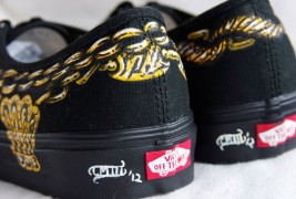 Carl Medley III customized sneakers - thumbnail_11