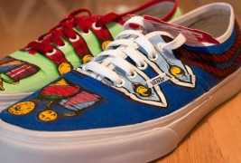 Carl Medley III customized sneakers - thumbnail_1