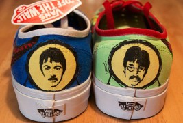 Carl Medley III customized sneakers - thumbnail_3